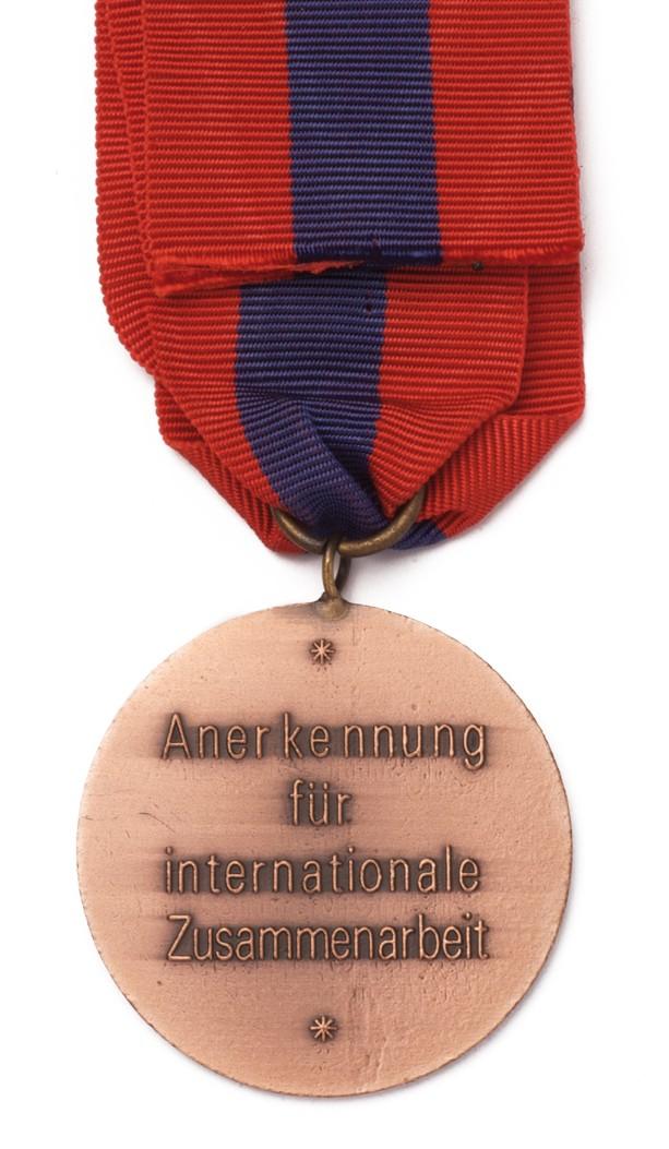 Brief Für Zusammenarbeit : Feuerwehr medaille für internationale zusammenarbeit Ι die